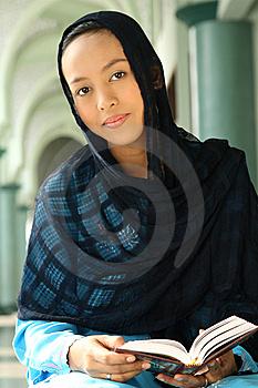Veshjet e grave myslimane në vende të ndryshme! Kopftuchfrau